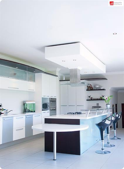 Easylife kitchens showroom east london projects photos for Kitchen designs east london south africa