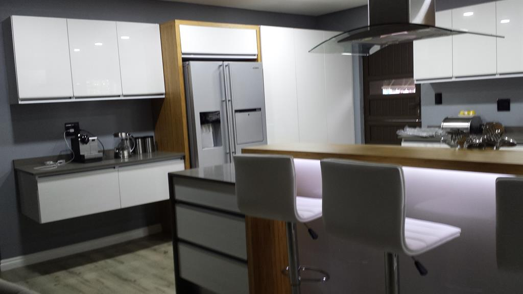Stylish Kitchens Pietermaritzburg Projects Photos Reviews And More Snupit