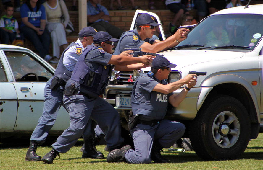 how reactive policing differ from proactive policing essay Study 69 policing chapter 9 flashcards from allie l on studyblue eric rudolph, who has not yet been captured, has been charged with the centennial park bombing and the bombing of an abortion clinic and gay night club.